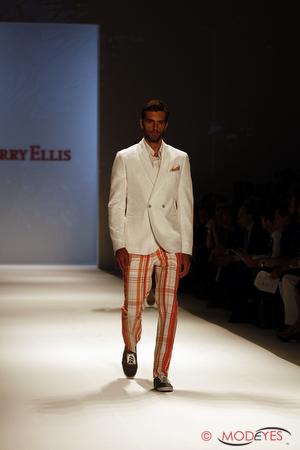 perry-ellis-ss2011-14