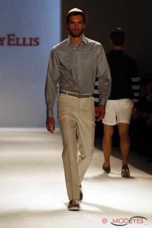perry-ellis-ss2011-40