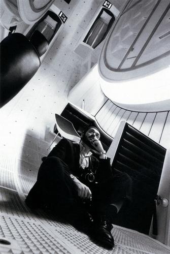 Stanley Kubrick sur le tournage de 2001: L'Odyssée de l'espace (2001: A Space Odyssey, GB/USA 1965-68) © The Stanley Kubrick Archive.